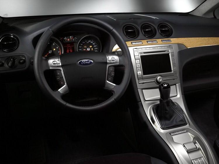 Ford Galaxy фото 3