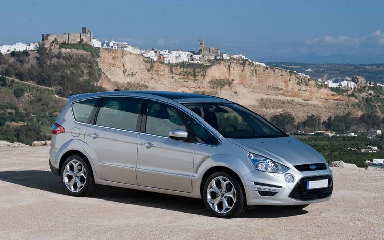 Прокат авто в Симферополе минивэна Ford S-Max