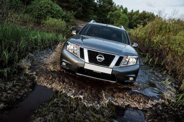 Nissan Terrano в Крыму без водителя, фото 9