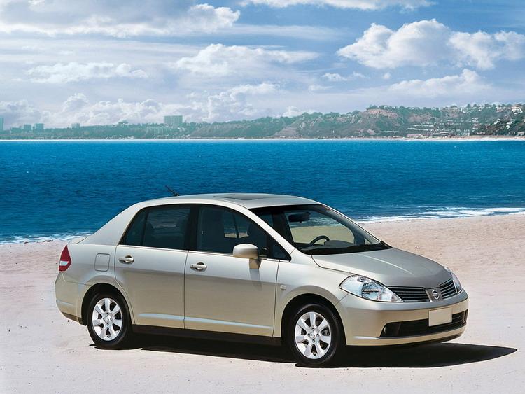 Nissan Tiida фото 3