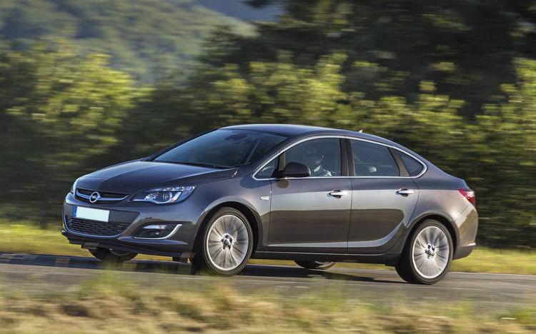 Opel Astra (Опель) в Крыму без водителя, фото 3