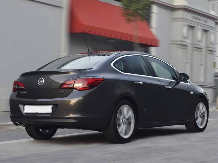 Opel Astra (Опель) в Крыму без водителя, фото 5