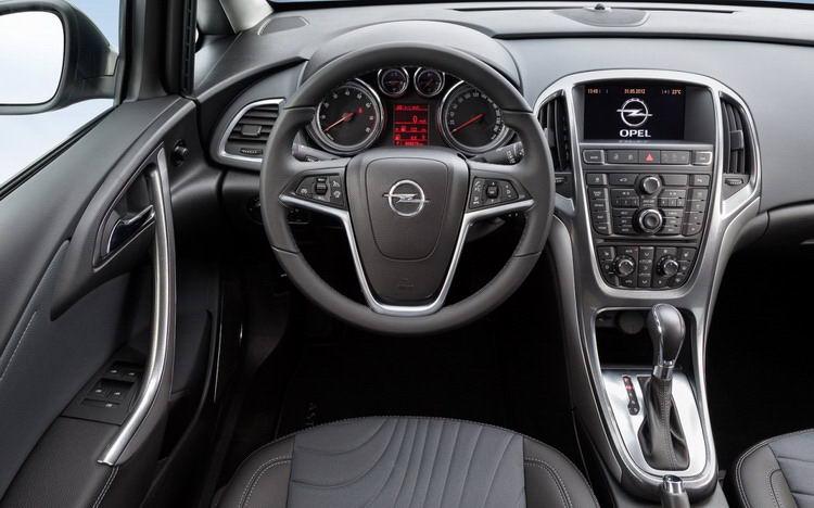 Opel Astra (Опель) в Крыму без водителя, фото 11