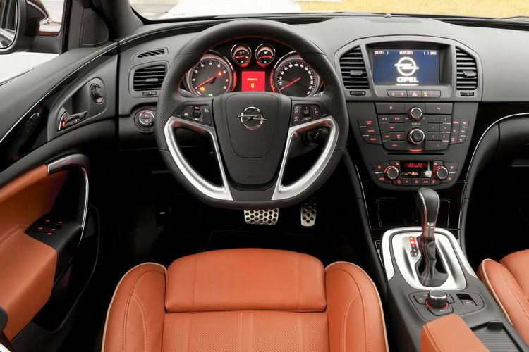 Opel Insignia фото 3