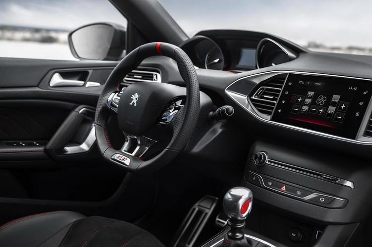 Peugeot 308 фото 5