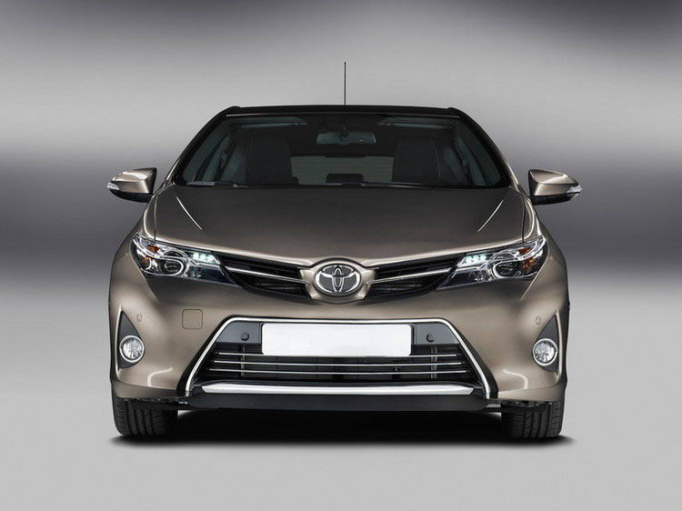 Toyota Auris фото 1