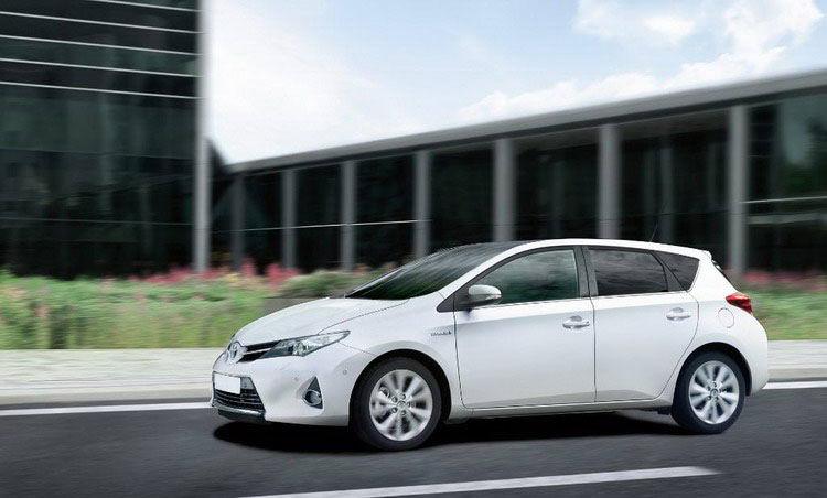 Toyota Auris фото 3
