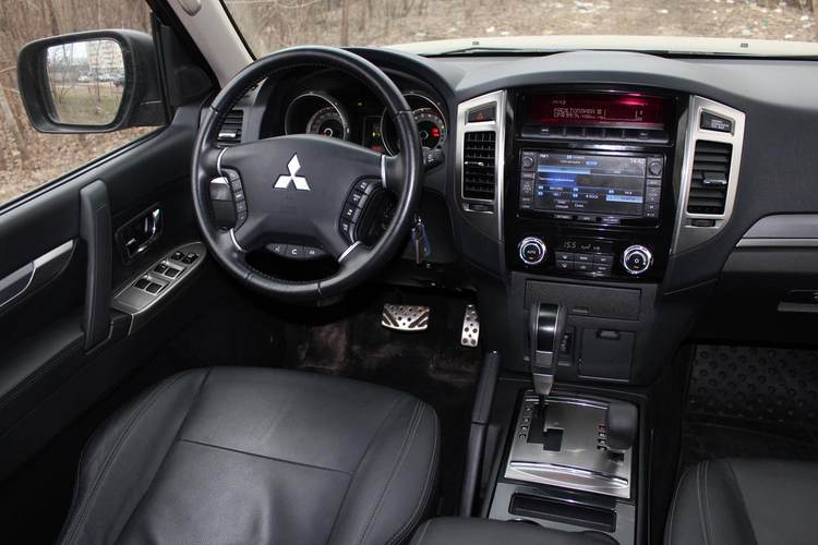 Mitsubishi Pajero фото 5