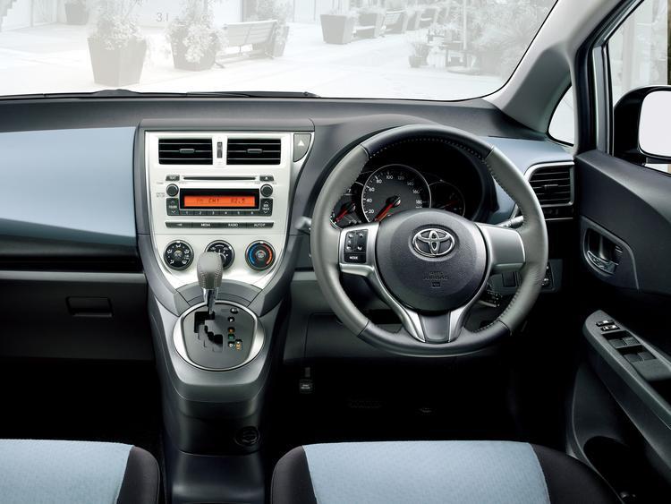 Toyota Ractis в Крыму без водителя, фото 11