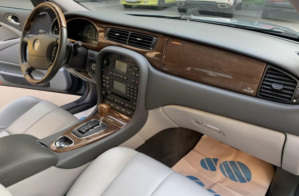 Jaguar S-Type в Крыму без водителя, фото 5